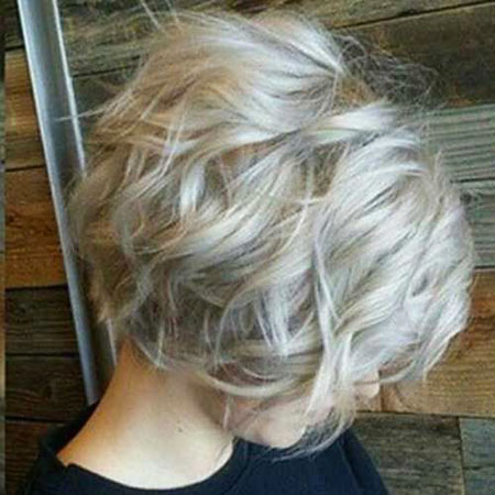 19-short-blonde-grey-hairstyles