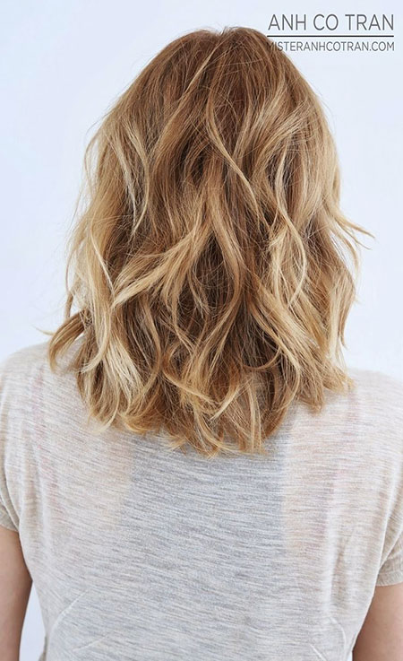 20-short-blonde-wavy-hairstyles