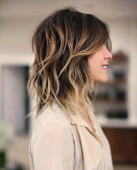 30-medium-blonde-hairstyles-for-round-faces