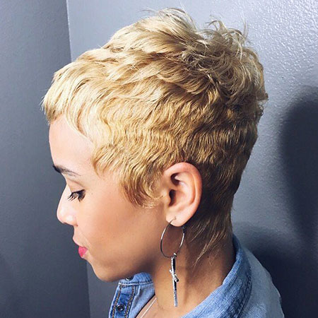 Pixie Cut, Blonde Hairstyles, Women, Wavy, Trendy, Messy, Flattering