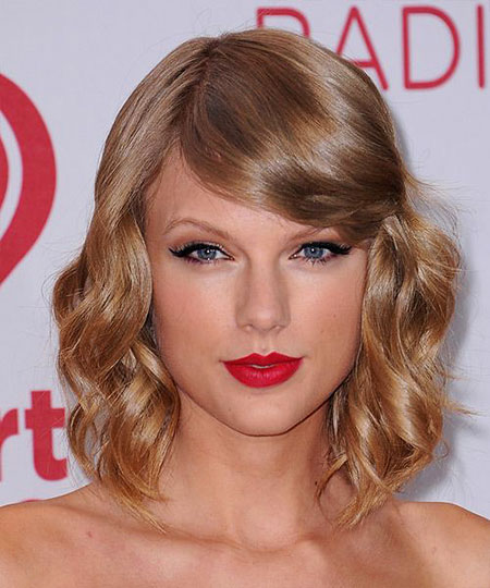 Taylor, Swift, Wavy, Short, Red, Medium, Lips, formal