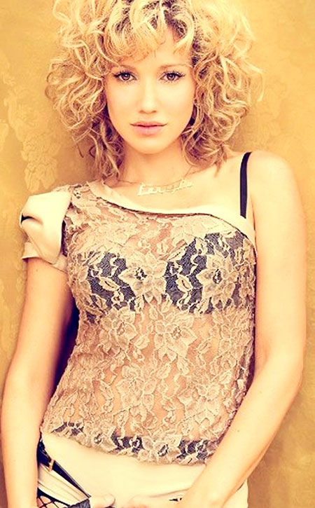 Taylor, Swift, Short Hairstyles, Curly, Waves, Textured, Shaggy, Season, Pretty