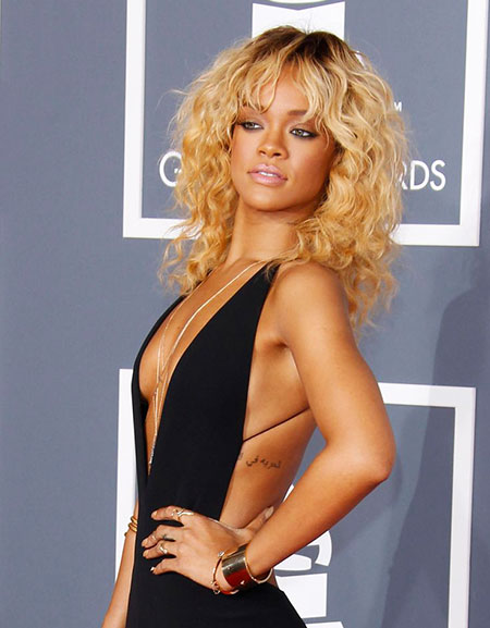Swift, Rihanna, Curly, Women, Taylor, Short Hairstyles, Pink, Ladies