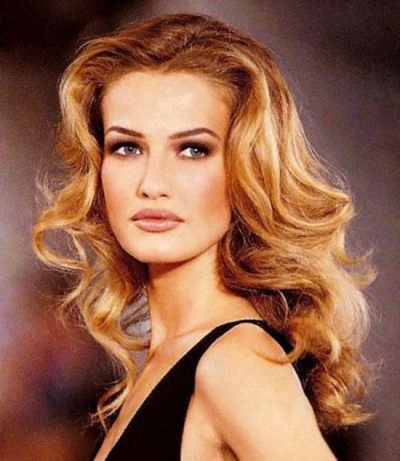 Blonde Long Locks Heard Dirty Curly Casual Amber