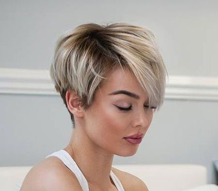 Pixie Cut, Blond