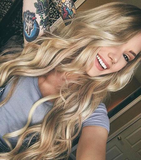 Blonde Long Wavy Waves Living Highlights Curls Balayage