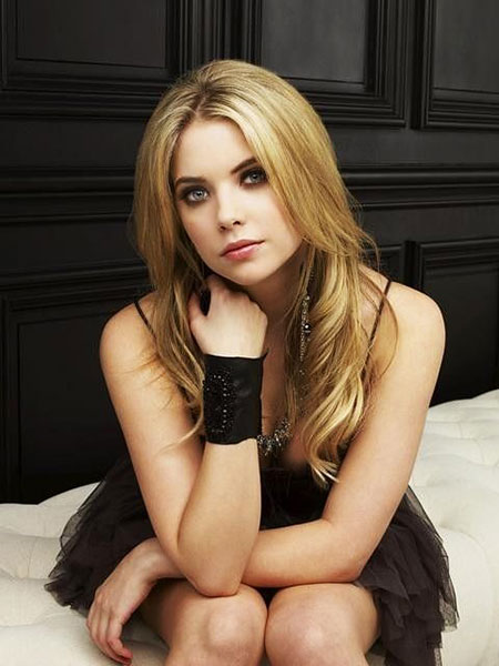 Cara Benson Avril Ashley Season Pretty