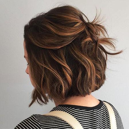 Caramel Hairtyles Chin Length