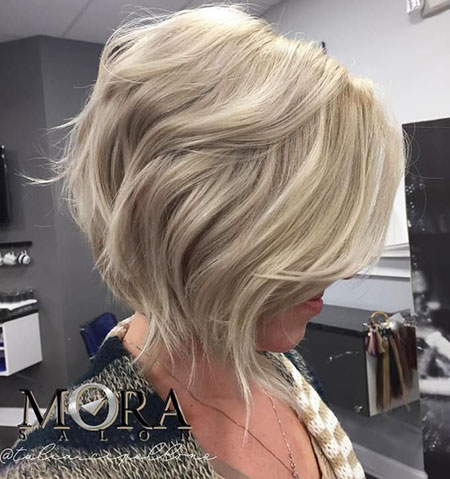 Bob Blonde Hairtyles Angled